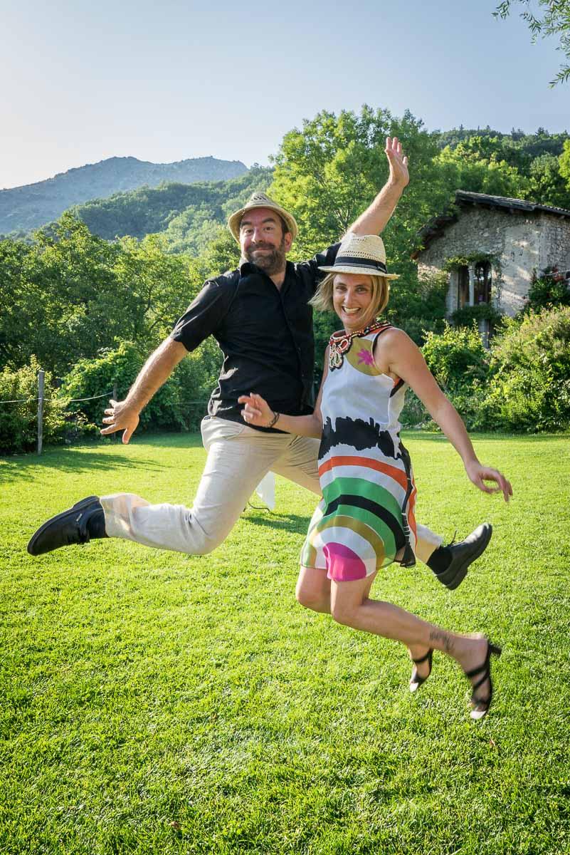 009_portrait_saut_jump_mariage_studio-sud_190255_